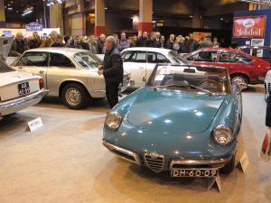 Στιγμιότυπο από την περιοχή της δημοπρασίας της Artcurial με τη συλλογή των Alfa Romeo