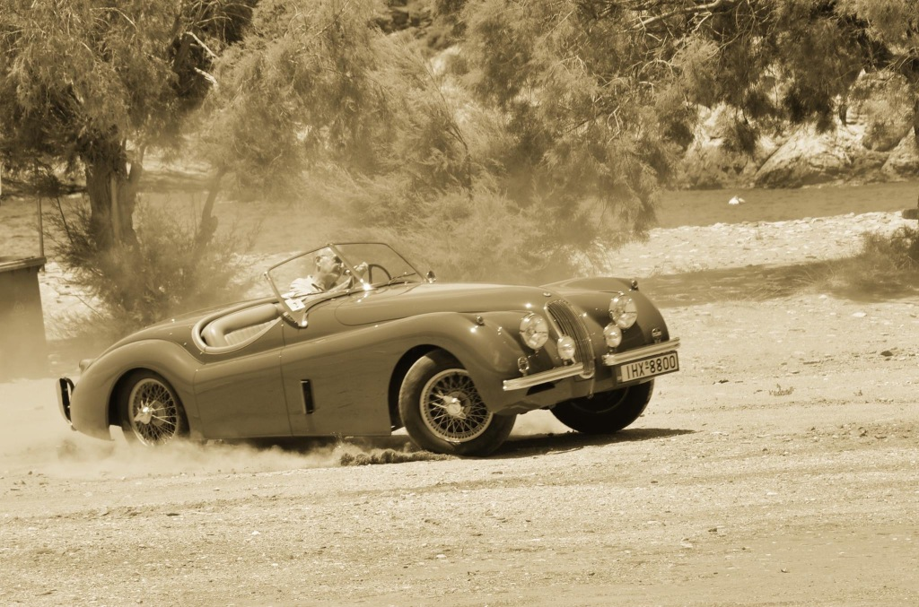 Η Jaguar XK-120. Photo by Alexander Coressis