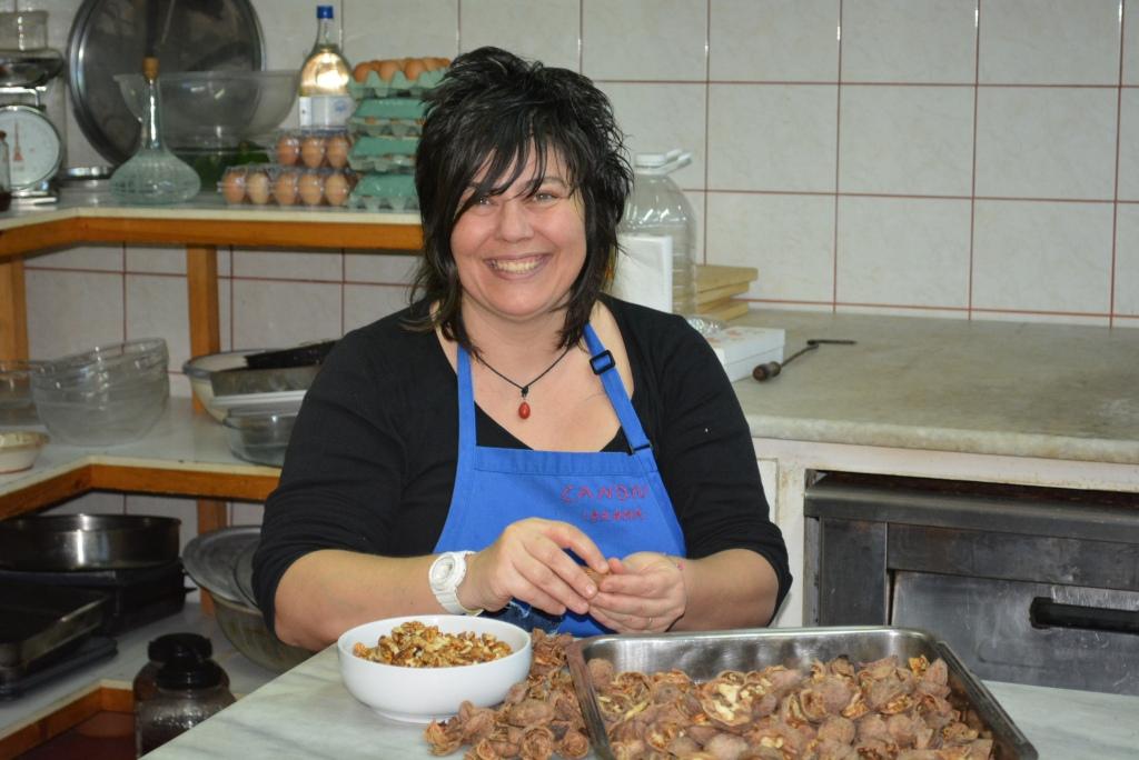 Η καταπληκτική μαγείρισσα Ιωάννα επί το έργο!