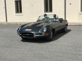 Άφιξη στο Ξενοδοχείο Seleni Suites της 1964 Jaguar E Type Roadster