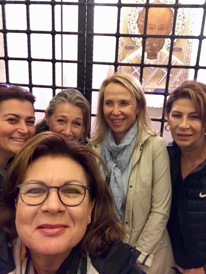 Les Girls στο Bari