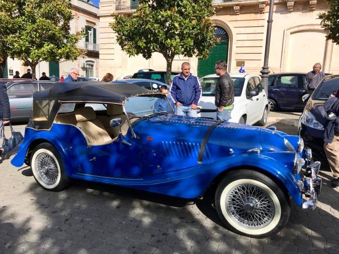 """Από την Έκθεση των Ι. Οχημάτων στη """"Piazza XX Settembre"""" της Martina Franca!"""